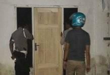Polisi saat Melakukan Razia [Foto: Abustan]