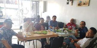 Suasana diskusi bulanan yang digelar Persakmi Sulsel, Selasa 20 November 2018 di Cafe Ardan Masogi Makassar.[Foto:/Ist]