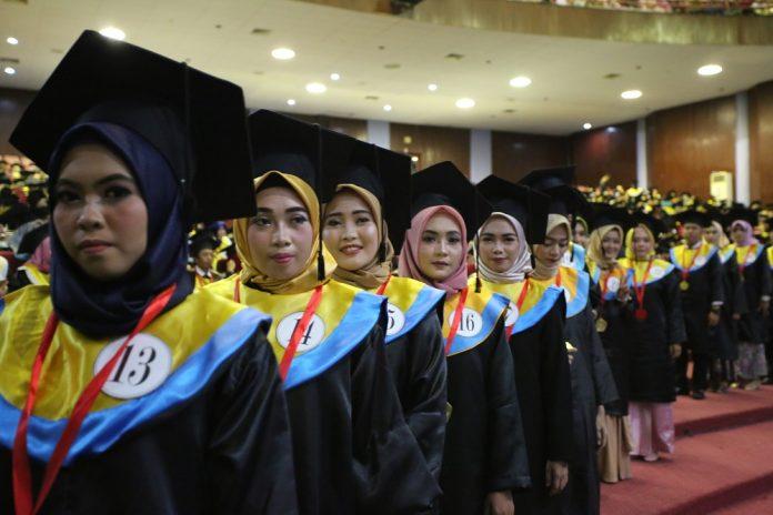 Unhas gelar wisuda sarjana periode II tahun akademik 2018/2019.[Foto:/Ist]