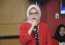 Rektor Unhas, Prof Dr Dwia Aries Tina Pulubuhu saat memaparkan pencapaian Unhas selama tahun 2018 dan target di tahun 2019.[Foto:/Ist.]