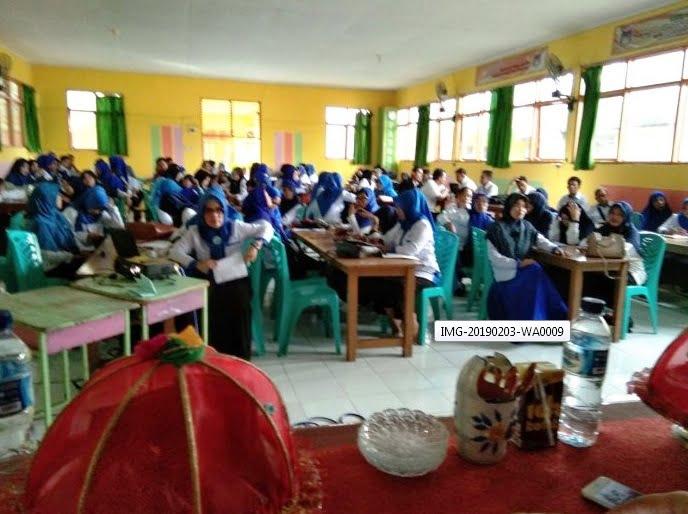 IGI memfasilitasi guru-guru di Kabupaten Sidrap untuk menulis buku, baik buku fiksi maupun nonfiksi.[Foto:/Ist.]