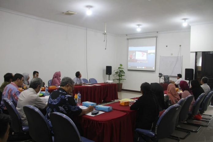 Seminar proposal melalui konferensi video.[Foto:/Ist.]