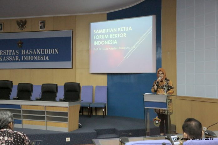 Sambutan Prof Dr Dwia Aries Tina Pulubuhu, MA selaku Ketua Forum Rektor Indonesia.[Foto:/Ist.]