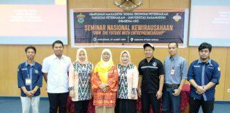 Foto bersama usai seminar nasional kewirausahaan.[Foto:/Ist.]