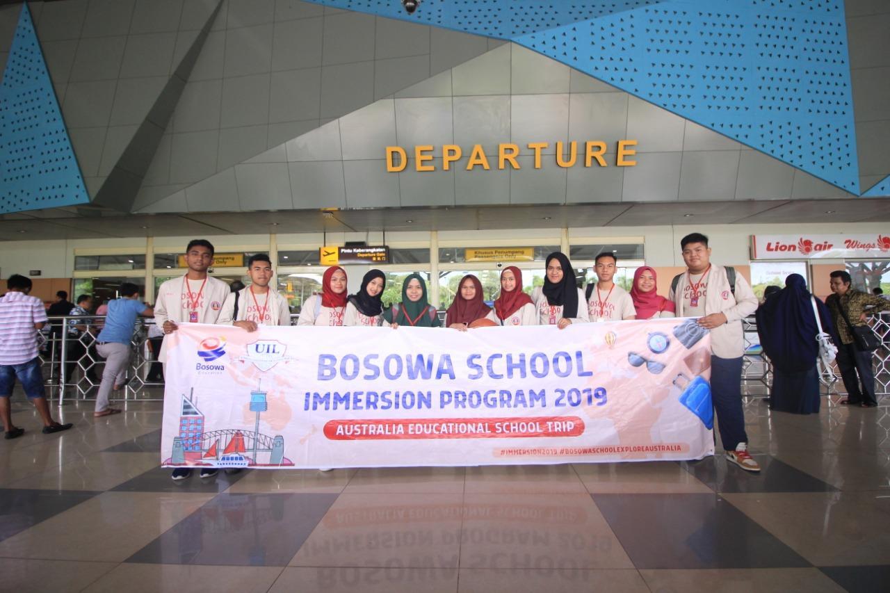 Siswa Bosowa School Makassar dilepaskan untuk belajar di luar negeri selama dua pekan.[Foto:/Ist.]