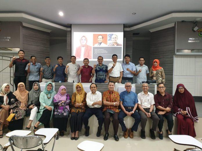 Foto bersama usai rapat koordinasi yang membahas persiapan Dies Natalis Unhas ke-63.[Foto:/Ist.]