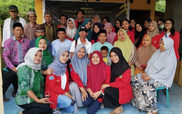 Mahasiswa FKM Unhas saat melakukan kegiatan PBL di Kecamatan Polongbangkeng Utara, Kabupaten Takalar selama dua minggu sejak 17 Juni hingga 1 Juli 2019. (FOTO: IST)