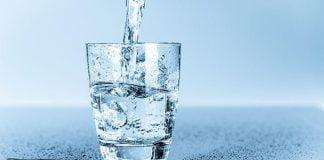 Syarat air minum tak hanya tampak bersih.